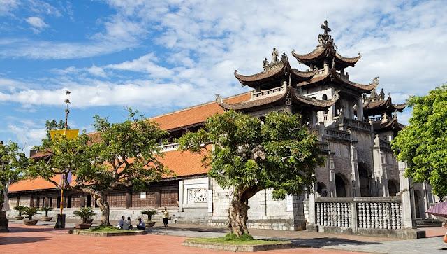 Bewildered Phat Diem Cathedral's architecture 2