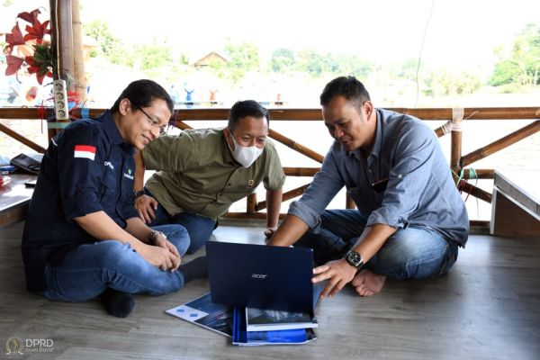 Tinjau Pengelolaan BUMDes, Komisi I DPRD Jabar Kunjungi Kawasan Situ Bagendit