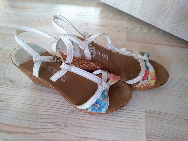 koturny-lasocki-biale-na-lato-sandalki-k