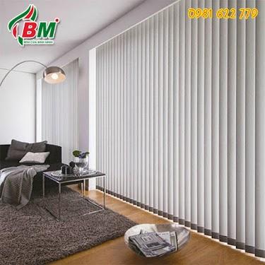 Rèm sáo lá dọc màu ghi nhạt sang trọng mát mẻ chuyên dụng cho văn phòng cản nắng,đẹp, giá rẻ tại bình phước thiết kế bình minh .0981.622.779..