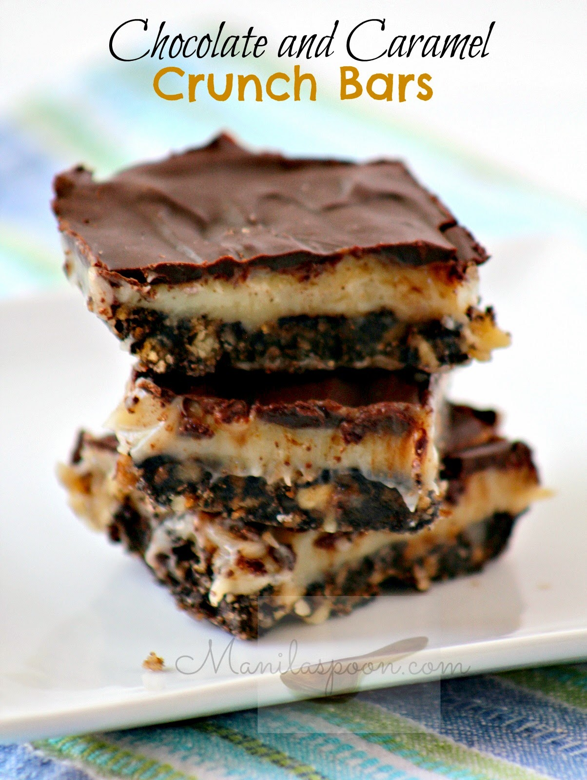 Layers of pecan crumb crust, delicious caramel filling and then melted chocolate on top - how can you resist these No Bake Chocolate and Caramel Crunch Bars? #nobake #chocolate #caramel #bars #desserts #sweets