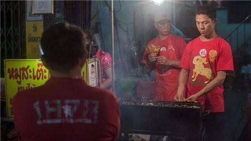 Truyền thống sắc màu bán hàng rong ở Thái Lan 4