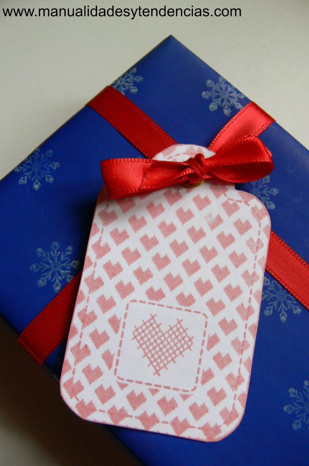 Etiqueta de regalo hecha a mano scrapbooking