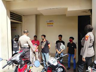 Upaya Pencegahan Covid-19, Sat Binmas Polres Pelabuhan Lakukan Binluh di Pasar