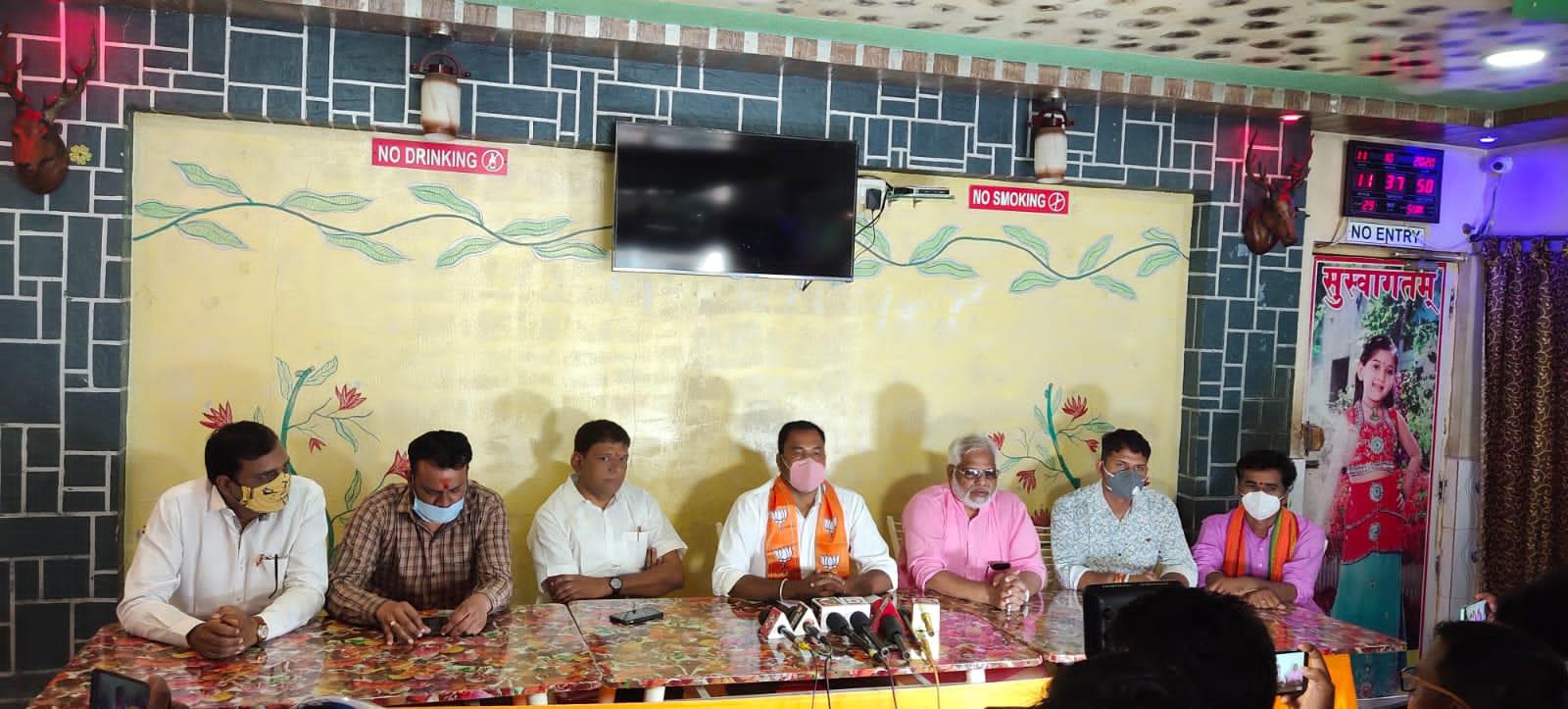Jhabua News- अनाज माफिया उर्फ कांग्रेसी नेता  पर हुई कार्यवाही पर कांग्रेस ने शिवराज की मुहिम पर क्यो नही किया समर्थन - भानु भूरिया