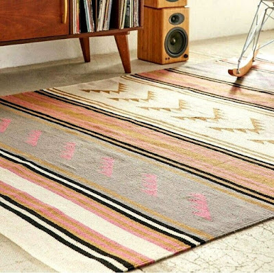 Flat woven patterned rug for living room decorating ideas great for retro style interior