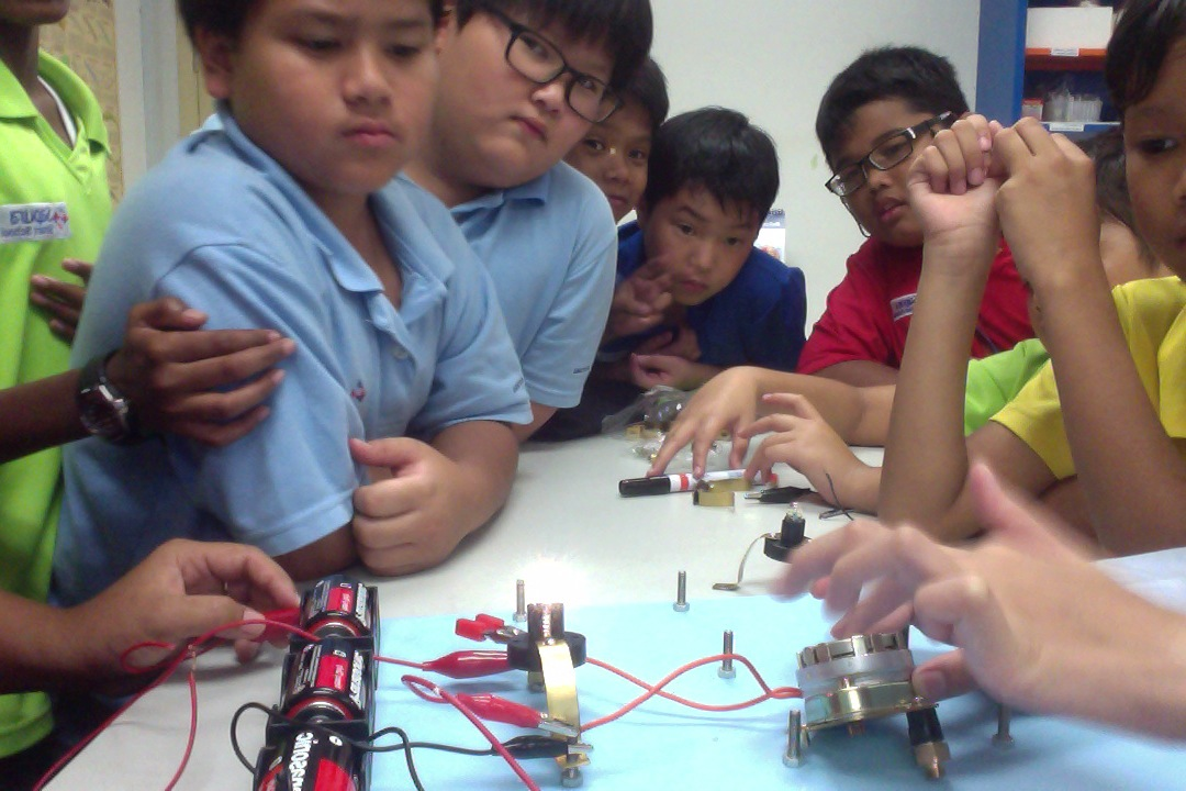 Series Circuit Is A Circuit With More Than One Component In It That