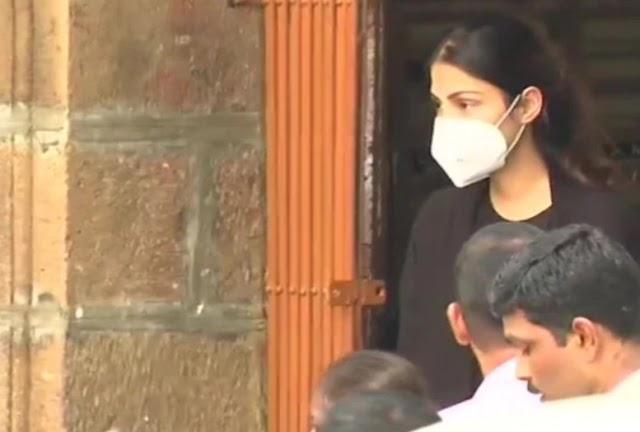 Rhea Chakraborty on Bail, Read Full Judgement Here