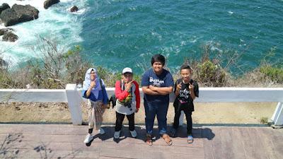 Wonderful Indonesia : Panorama Mempesona Di Puncak Siti Hinggil Tanjung Papuma Jember