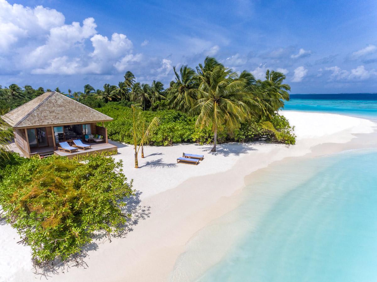 passion for luxury hurawalhi island resort maldives. Black Bedroom Furniture Sets. Home Design Ideas