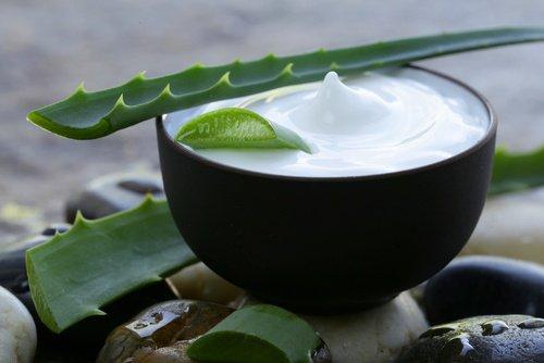 4 crème maison pour traiter les talons secs et fendillés