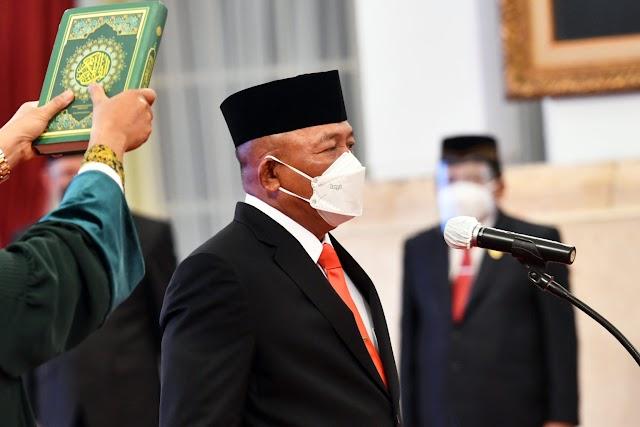 Presiden Jokowi Lantik Ganip Warsito sebagai Kepala BNPB