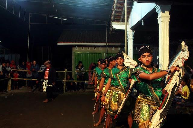 Foto-Foto Jatilan Keren Langen Kudho Wiromo Samigaluh