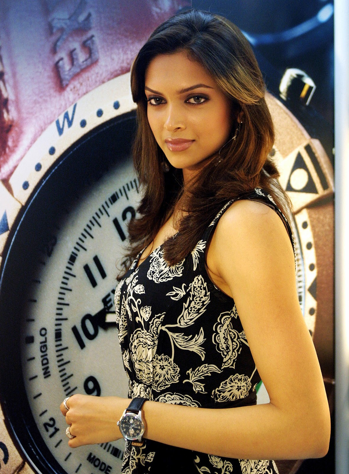 Deepika Padukone in Hot Photos: Deepika Padukone in Hot Photos