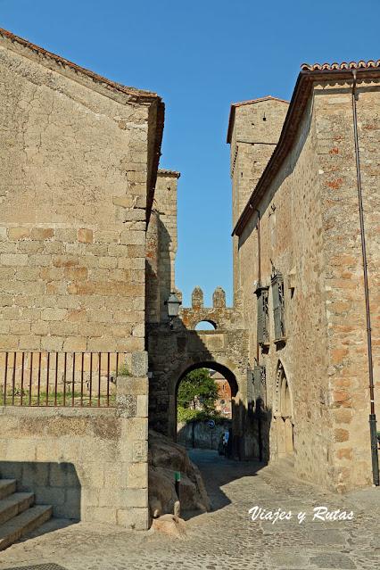 Puerta de Santiago de Trujillo