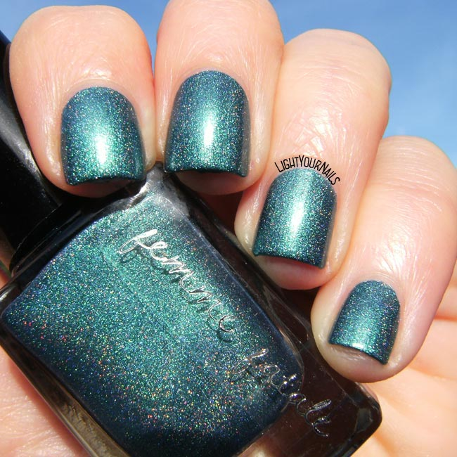 Femme Fatale Gentlemen's Scuffle smalto nail polish holographic holo indie teal
