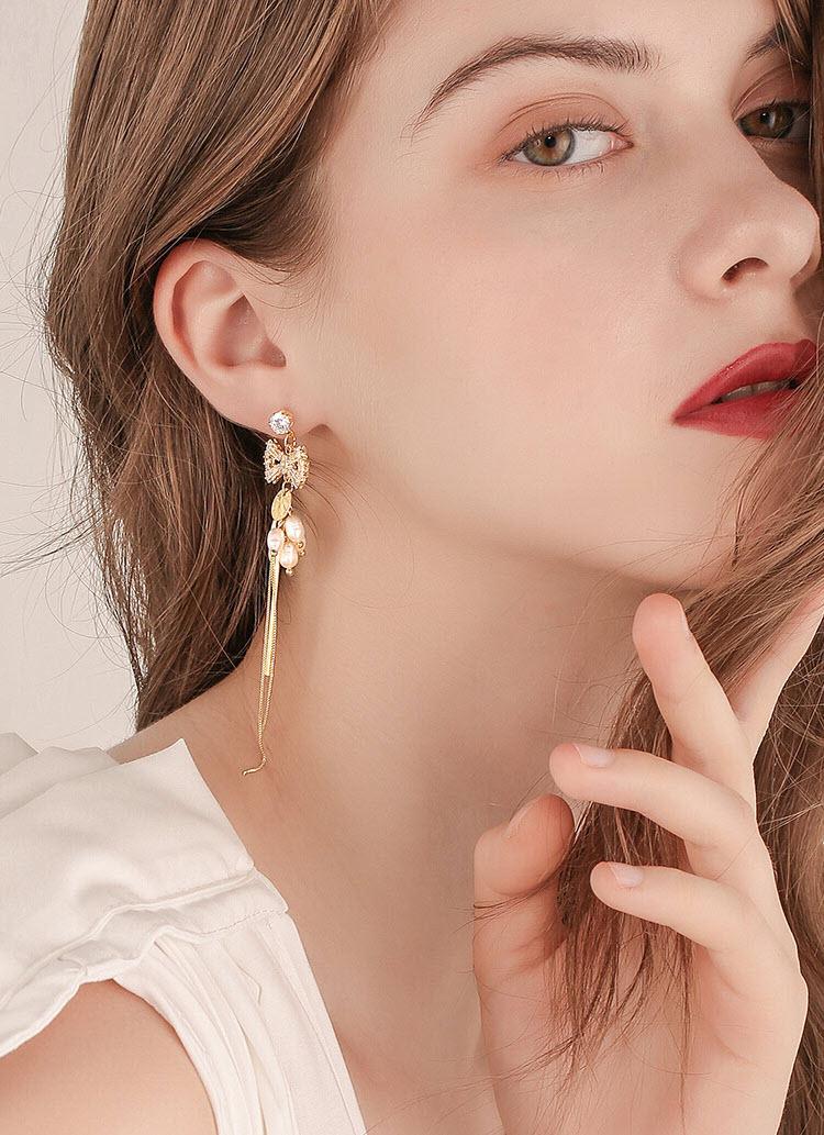 不對稱風雅莉淡水珍珠鋯石流蘇耳環