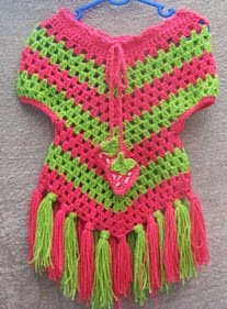 http://translate.googleusercontent.com/translate_c?depth=1&hl=es&rurl=translate.google.es&sl=en&tl=es&u=http://cats-rockin-crochet.blogspot.com.au/2011/06/cute-little-stay-on-poncho.html&usg=ALkJrhisGxltT5escYSWJCCaFvAPGB3wlg