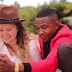 VIDEO   MANYO LEE Ft Q CHILAH - SIJAKAMILKA    Download Mp4 [Official Video]