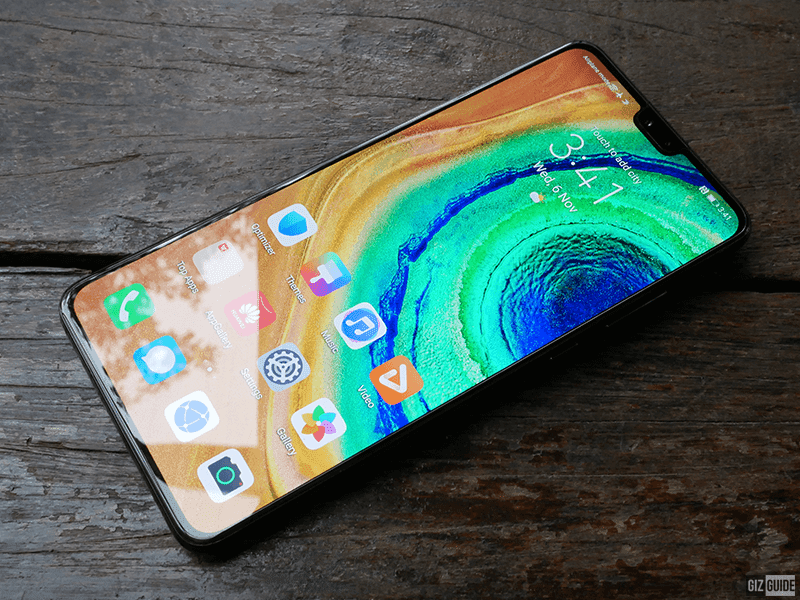 "A ""flatter"" curved screen with super slim bezels and a more ""traditional"" notch"