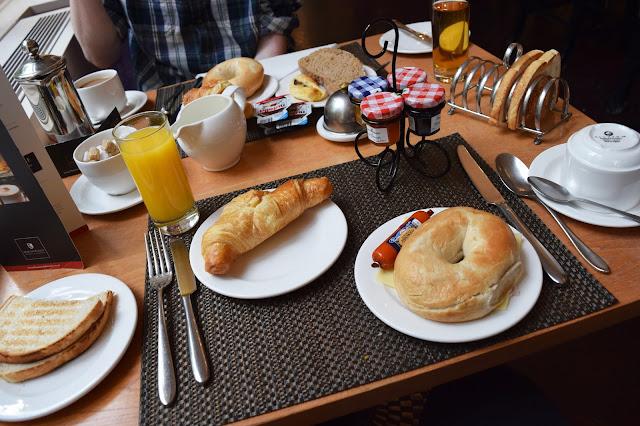 a table food of breakfast food