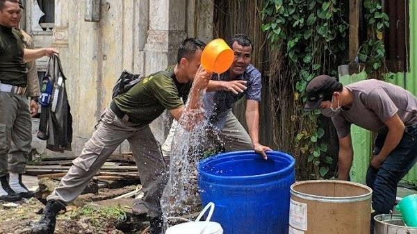 Dilempari Warga dengan Air Kencing, Sejumlah Personel Satpol PP Muntah-muntah