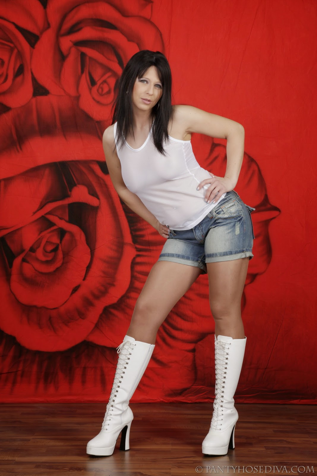 Mature Lovers Pantyhose Diva Wearing White Boots And -1681
