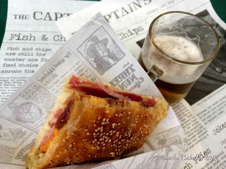 empanada-gaditana-cerveza-porción