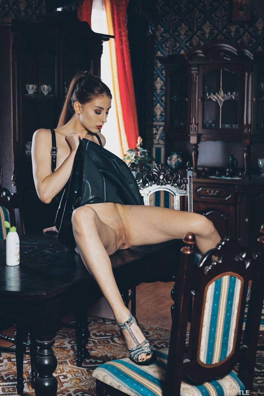 [TheLifeErotic] Lina - Oily Pussy 2290627402