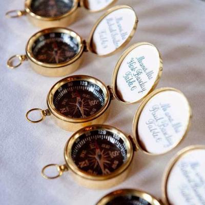 inspirations et idées de décoration mariage thème steampunk blog mariage www.unjourmonprinceviendra26.com