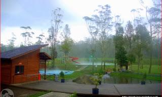 pemandian kolam air panas di ranca upas