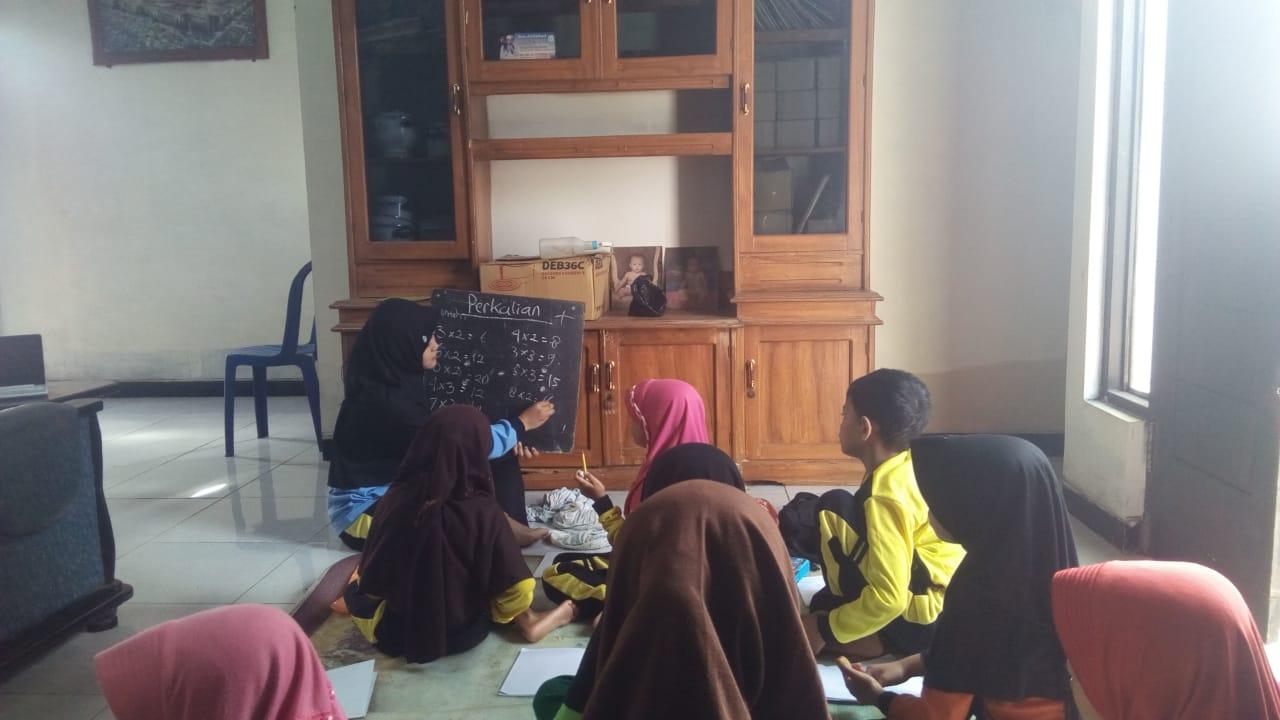 Mahasiswa KKN UIN Walisongo Semarang Lakukan Pendampingan Bimbel Kepada Siswa SD Di Era Pandemi