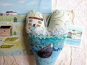 PRETTY SEASIDE TEXTILE ART HEARTS