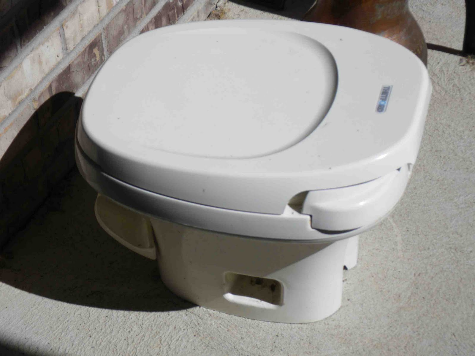 Fine 1994 Brave 29Rq Rv Our New Toilet Dometic Sealand Traveler Onthecornerstone Fun Painted Chair Ideas Images Onthecornerstoneorg