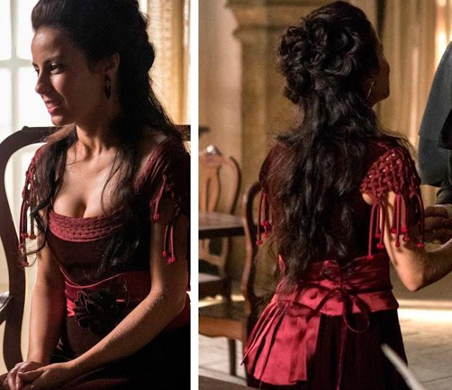Joaquina/ Rosa (Andrea Horta) Liberde Liberdade, figurino, vestido vermelho