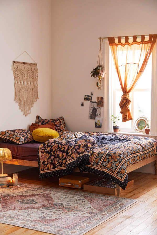 tiny boho bedroom decor idea