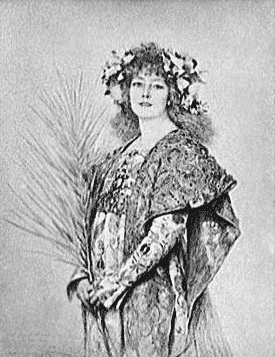 Sara Bernhardt in Gismonde costume, 1896 photo by Theobold Chartran - public domain