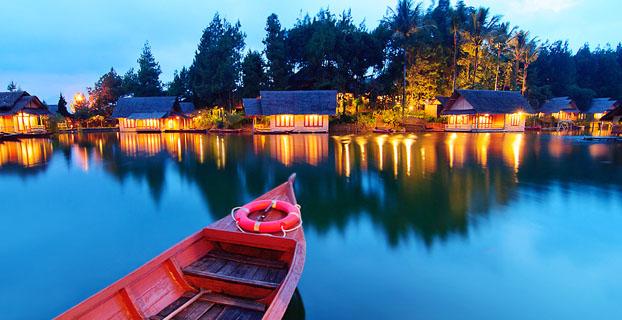 Kampung Sampireun Garut, Bulan Madu Romantis di Desa Telaga