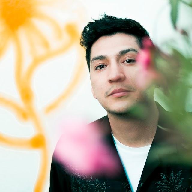 Palma, do Chile, lança single com cantora pop alemã