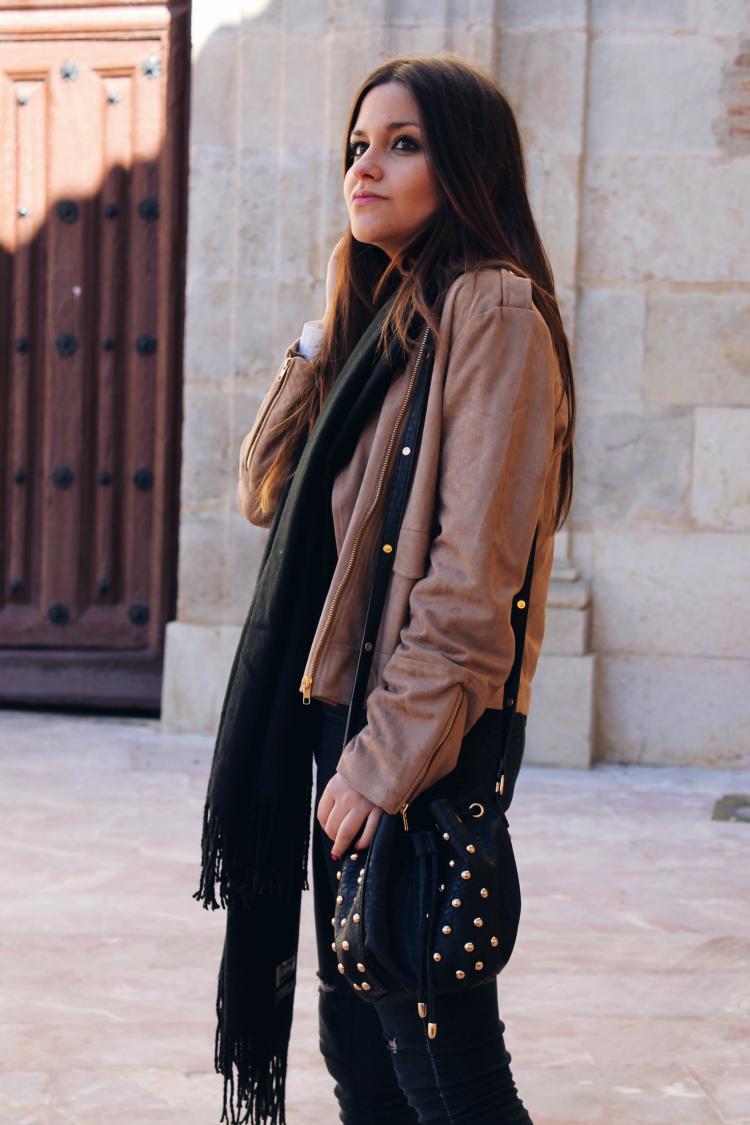 outfit-entretiempo-chaqueta-ante-sheinside
