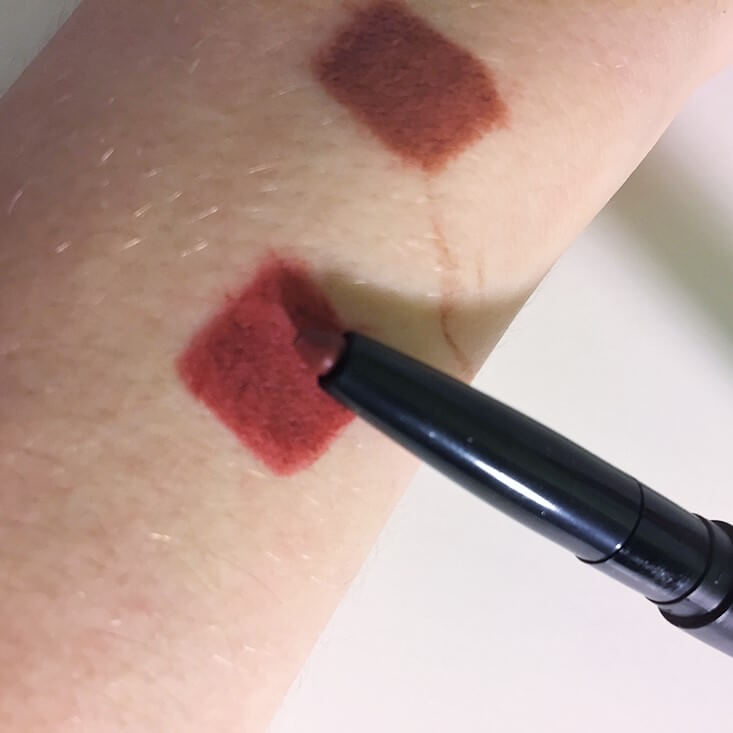 e.l.f. Lip Liner & Blending Brush Red swatch