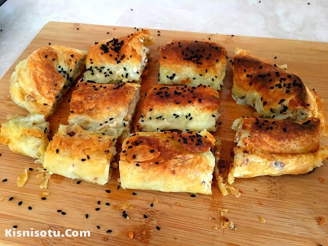 Peynirli Cevizli Sarıyer Böreği, Sarıyer Böreği Nasıl Yapılır, Kolay Tarifler, Kolay Börek tarifleri, Değişik Börek tarifleri