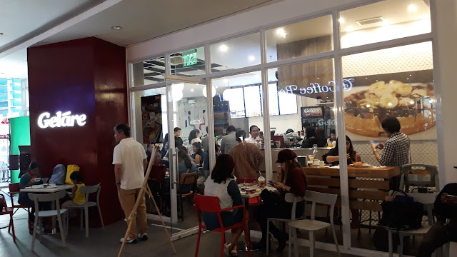 So last November 9, 2017, amidst the torrential downpour and heavy traffic, we braved going to Uptown BGC for a taste of Gelare.