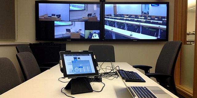 महिला IAS की वीडियो कॉन्फ्रेंसिंग में अचानक स्क्रीन पर पॉर्न VIDEO चलने लगा | NATIONAL NEWS