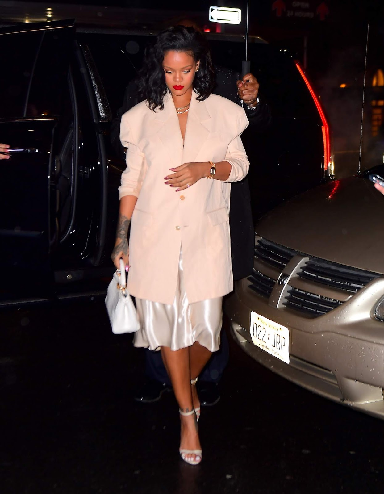 Rihanna out for dinner in New York - 01/29/2019