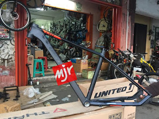Frame United Ltd SL7 27.5 inch SIZE-M