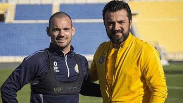 Sneijder yeniden Galatasaray'a dönmek istiyor!