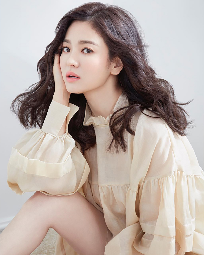 Song Hye-kyo  cewek manis dan seksi imut