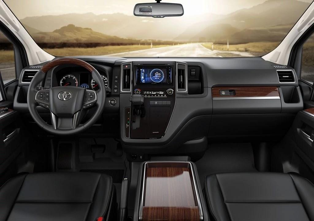 Toyota Hiace Super Grandia Interior