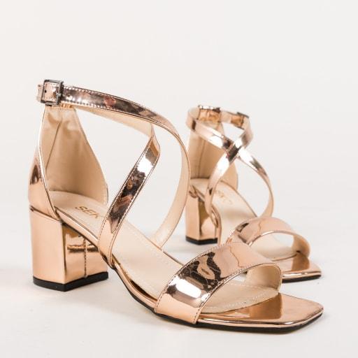 Sandale elegante aurii lacuite cu toc gros
